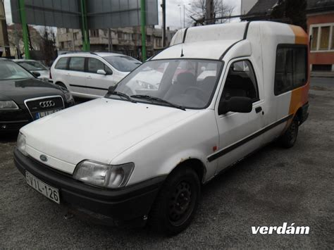 Ford Fiesta COURIER 1
