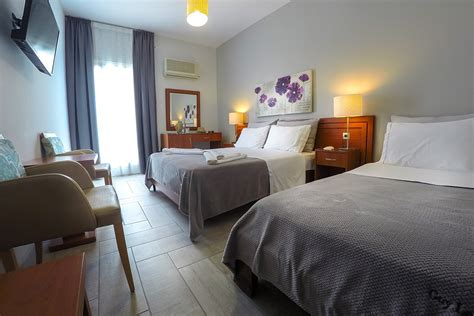 Family Room Side Sea View | Hotel Chryssi Akti in Andros