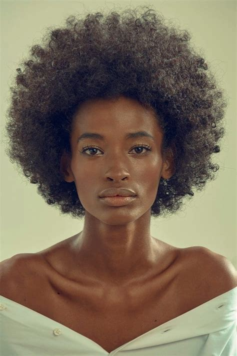 Ana Flavia: First Black Model to Win Brasil's Ford Models